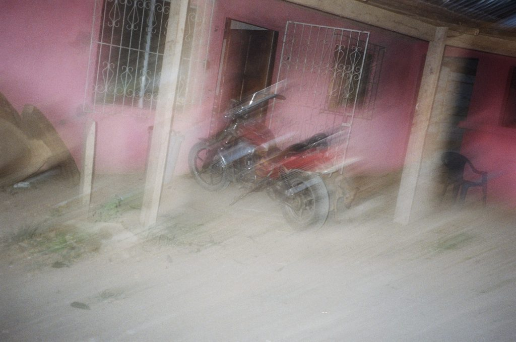 exotic_1_blurry-bike