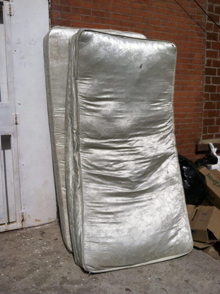 nyc_13_white-mattress