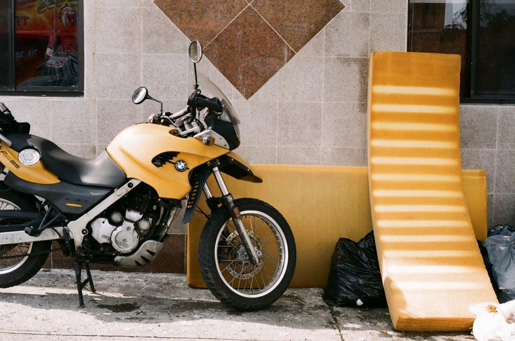 nyc_32_yellowstuff